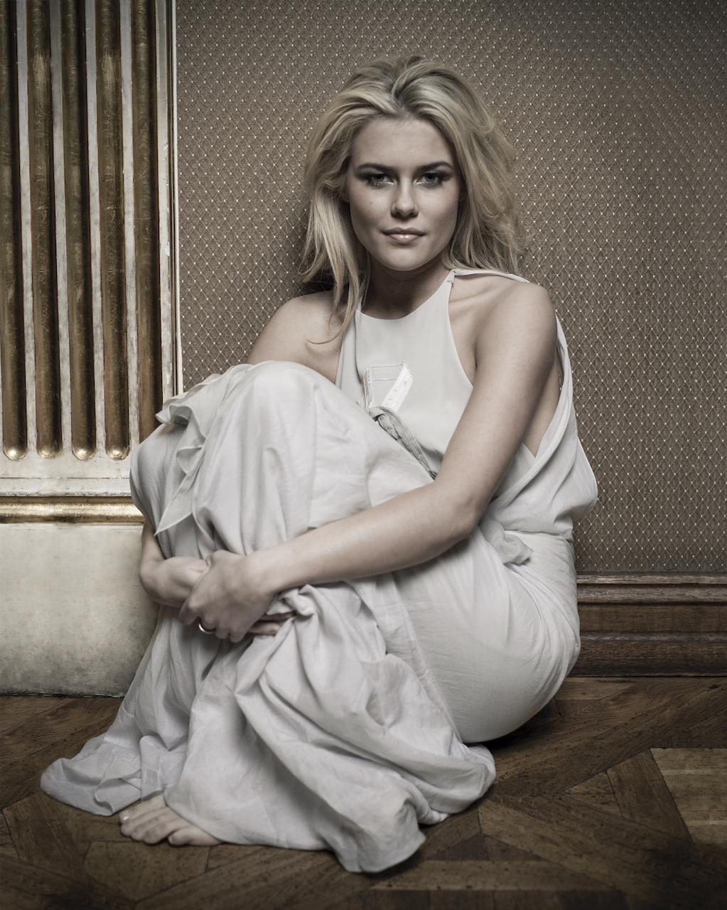 Rachael Taylor Actress-92